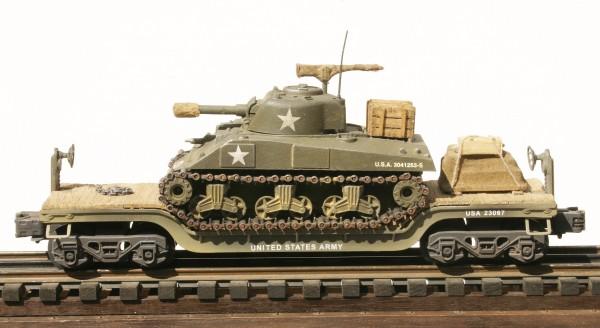 U.S. Army M4A3(105) Sherman Tank on 35′ Drop Center Flat Car USA 23067(AV13.1-FC5.2USA)