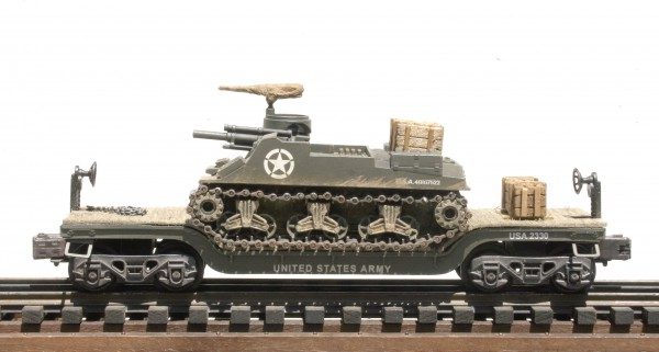 "US Army M7B1 Priest 105mm Self-Propelled Gun on 35′ Drop Center Flat Car USA 2330(AV15.1-FC5.2USA)_Operates on 3-Rail ""O""Gauge track"
