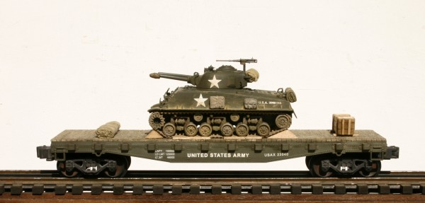 "US Army M4A3E8 ""Easy Eight-Flame Thrower"" on 42′ Flat Car USAX 23040(AV3.3B3-FC3.2USA)_Operates on 3-Rail ""O""Gauge track"