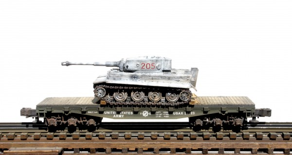 "US Army Captured WWII German Pz VI Tiger Tank 205 on U.S. Army 42` Flat Car USAX 24723(CAPAV2.5-FC3.2BUSA/GER)_Operates on 3-Rail ""O""Gauge track"