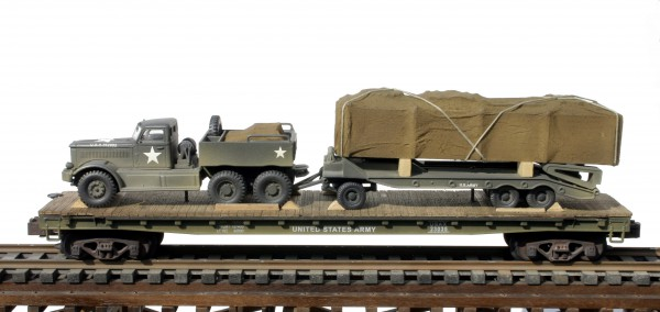"US Army M-20 Diamond T Prime Mover with M-9 Transport Trailer w/Load on 50′ Flat Car USAX 23035(V15.1-FC6.2USA)_Operates on 3-Rail ""O""Gauge track"