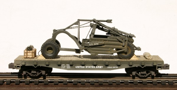 "U.S. Army LeTourneau Carry-All Scraper on 42′ Flat Car USAX 26724(EME33-FC3.2USA)_Operates on 3-Rail ""O""Gauge track"