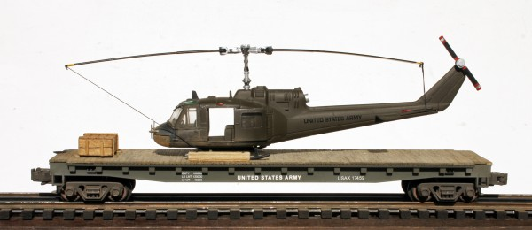 "US Army UH1C Huey ""Muskets"" Helicopter on 50′ Flat Car, Vietnam era USAX 17459(HELI1C-FC6.2USA)"