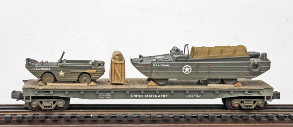 US Army Amphibious GPA Jeep & GMC DUKW on a 50′ Flat Car USAX 17443(MV26-FC6.2USA)