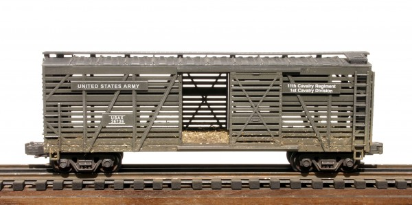 "US Army 40′ Cavalry O.B. Stock Car with Straw Bedding USAX 26726(SC12.2USA)_Operates on 3-Rail ""O""Gauge track"