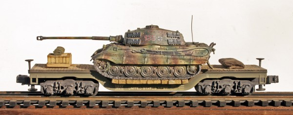 US Army Captured WWII German TigerII Tank 135 on U.S. Army 45` Flat Car USAX23438(CAPAV15.3-FC8.2BUSA/GER)