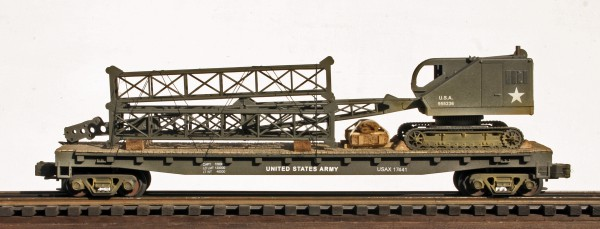 U.S. Army Crawler Boom Crane w/Stacked Boom Sections on 50′ Flat Car USAX 17441(EME27-FC6.2USA)