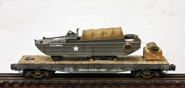 "US Army DUKW Amphibious Truck on 42′ Flat Car USAX 17444(BSA2.1-FC3.2USA)_Operates on 3-Rail ""O""Gauge track"