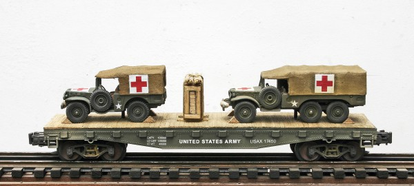 "US Army WC51 Dodge 4×4 & WC62 Dodge 6X6 Ambulances on 42′ Flat Car USAX 17450(MV29-FC3.2USA)_Operates on 3-Rail ""O""Gauge track"