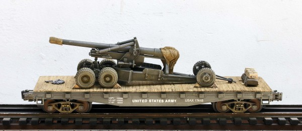 "U.S. Army Long Tom 155mm Field Gun mounted on a 42′ Flat Car USAX 17448(AR1-FC3.2USA)_Operates on 3-Rail ""O""Gauge track"