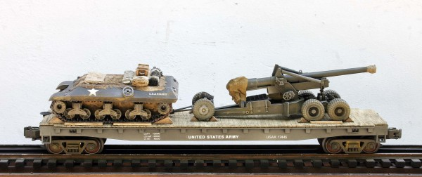 U.S. Army Long Tom 155mm Field Gun w/M35 Tractor mounted on a 50′ Flat Car USAX 17445(AR5-FC6.2USA)