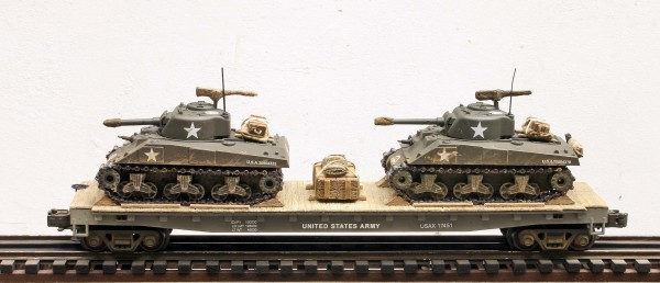 US Army M4A3 Sherman Tanks w/75mm & 105mm Turrets on 50′ Flat Car USAX 17451(MV8AA.1-FC6.2USA)