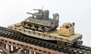 AV3G-FC3.2USA_Sherman M4A3 Tank w:Wading Trunks on 42' Flat Car~3_3616