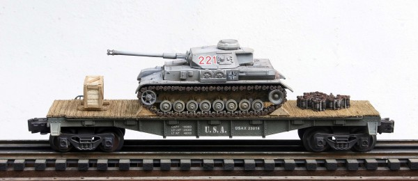 "US Army Captured WWII German Pz IV Tank 221 on U.S. Army 40` Flat Car USAX 23014(CAPAV1.5-FC2.2USA/GER)_Operates on 3-Rail ""O""Gauge track"
