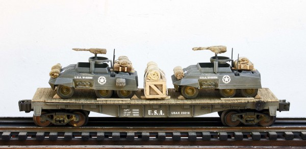 US Army M20 Armored Scout Cars(2) on 40′ Flat Car USAX 23016(MV24B/B-F2.2USA)