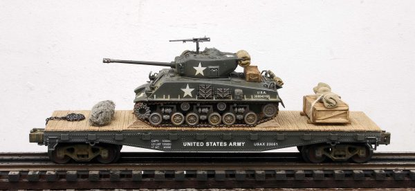"US Army M4A3E8 ""Easy Eight"" Tank on 42′ Flat Car USAX 23051(AV3.3B-FC3.2USA)"