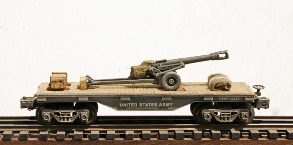 "US Army 105mm Field Gun Tow on 32′ Flat Car USAX 23033(AR2.3-FC1.2_USA)_Operates on 3-Rail ""O""Gauge track"