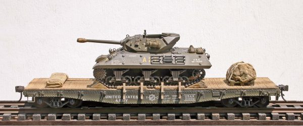 "US Army M10 Tank Destroyer on 42′ Flat Car USAX 23524(AV14.1.OS-OSFC3.2USA)_Operates on 2-Rail ""O""Scale track"