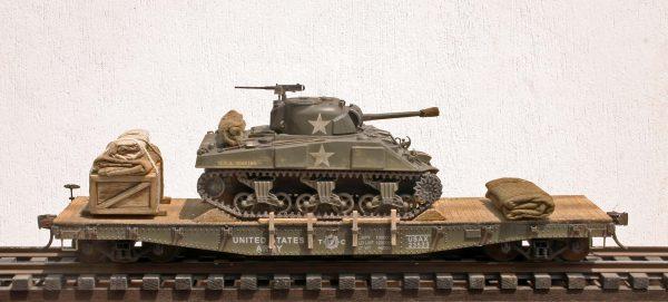 US Army M4(75) Sherman Tank on 42′ Flat Car USAX 23523(AV3.2.OS-OSFC3.2USA)