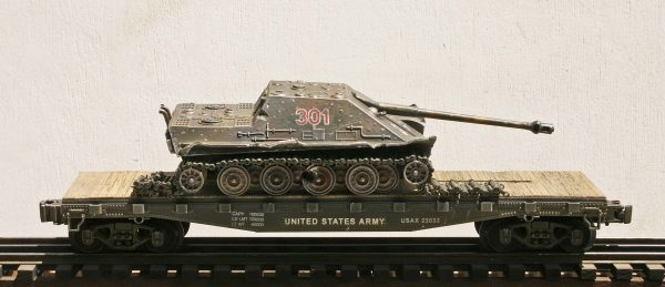 "US Army WWII Captured Battle Damaged German JagdPanther 301 on U.S. Army 42` Flat Car USAX 23032(CAPAV3.3-FC3.2USA/GER)_Operates on 3-Rail ""O""Gauge track"