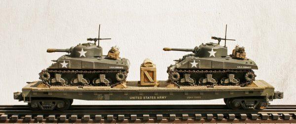 US Army M4A3 Sherman Tanks w/75mm & 105mm Turrets on 50′ Flat Car USAX23031(MV8AA.1-FC6.2USA)