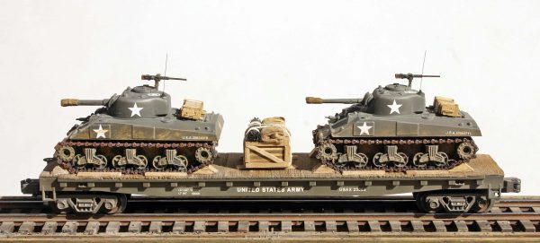 "US Army M4A3 Sherman Tanks w/75mm & 105mm Turrets on 50′ Flat Car USAX23062(MV8AA.1-FC6.2USA)_Operates on 3-Rail ""O""Gauge track"