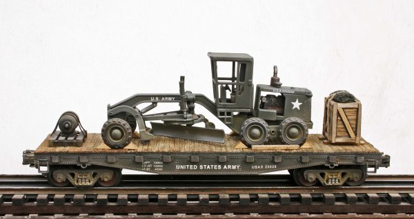 """US Army Caterpillar Grader-Leveler with Cab Cover on 42′ Flat Car USAX 23028(EME6B-FC3.2USA)_Operates on 3-Rail """"O""""Gauge track • Available Today •"""