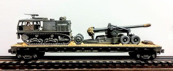 "U.S. Army M1 Long Tom 155mm Field Gun & M4 High Speed Tractor on 50′ Flat Car USAX 23058(AR5.1-FC6.2USA)_Operates on 3-Rail ""O""Gauge track"