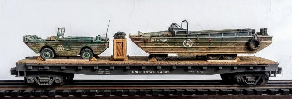 "US Army Amphibious GPA Jeep & GMC DUKW on a 50′ Flat Car USAX 23020(MV26-FC6.2USA)_Operates on 3-Rail ""O""Gauge track"