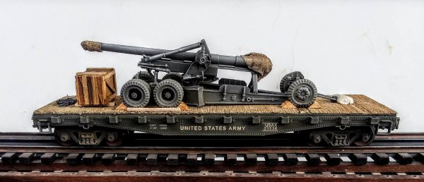 "U.S. Army Long Tom 155mm Field Gun mounted on a 42′ Flat Car USAX 23536(AR1-FC3.2USA)_Operates on 3-Rail ""O""Gauge track"