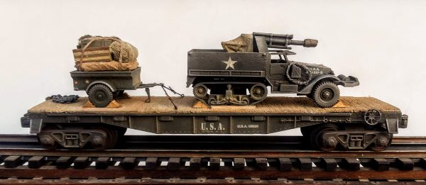 "U.S. Army T-19 Half-Track w/105mm Gun & Trailer Tow on 40′ Flat Car, U.S.A 611629(AV9C-FC2.2USA)_Operates on 3-Rail ""O""Gauge track"