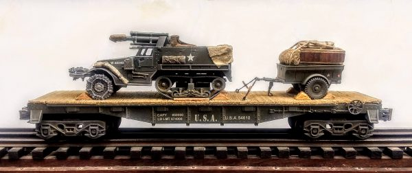 "U.S. Army T-19 Half-Track w/105mm Howitzer & Trailer Tow on 40′ Flat Car, U.S.A.54610(AV9C-FC2.2USA)_Operates on 3-Rail ""O""Gauge track"