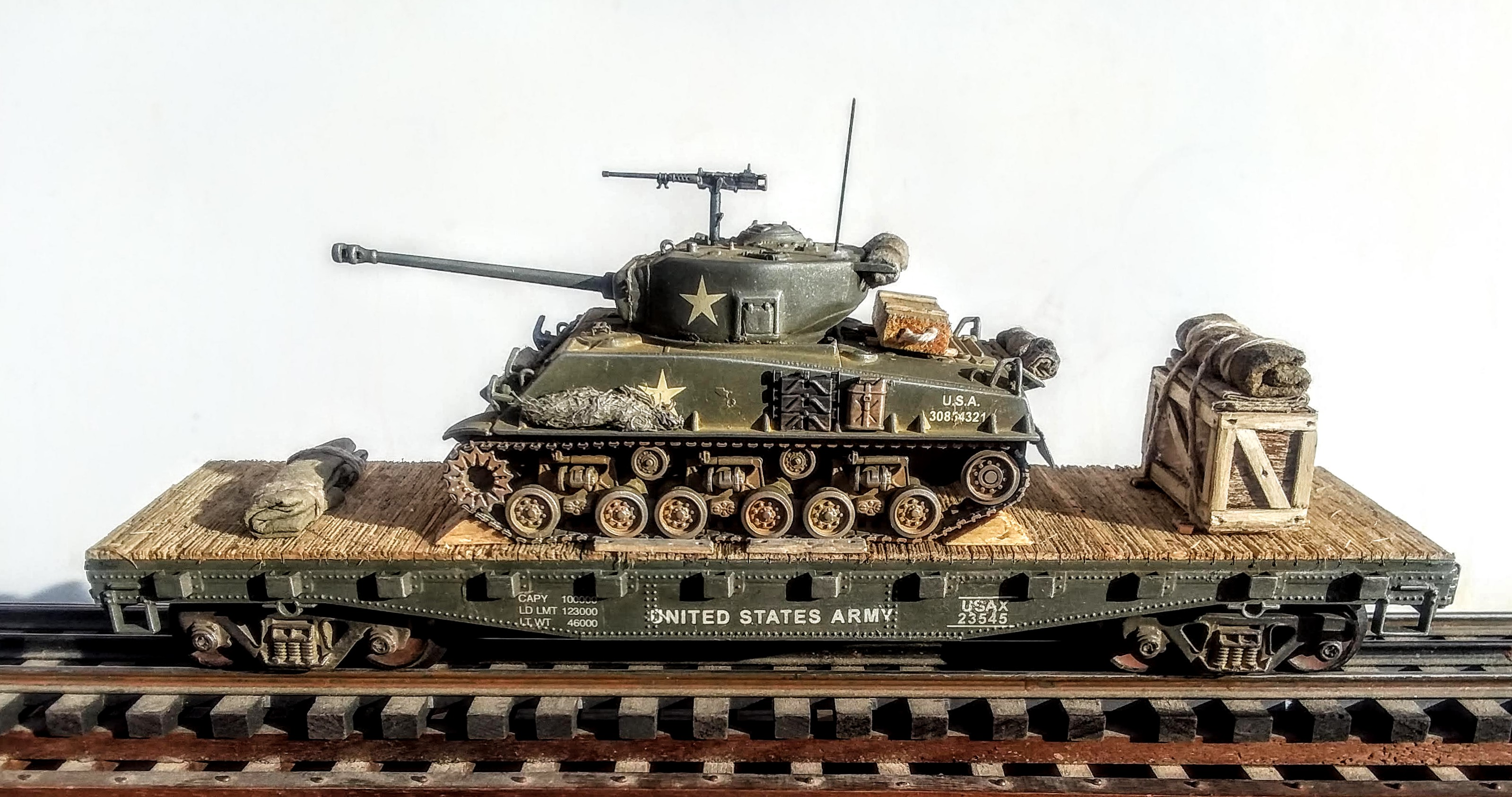 Fertigmodell Artitec 387.359-1//87 H0 WWII US M4A3 Sherman Easy Eight